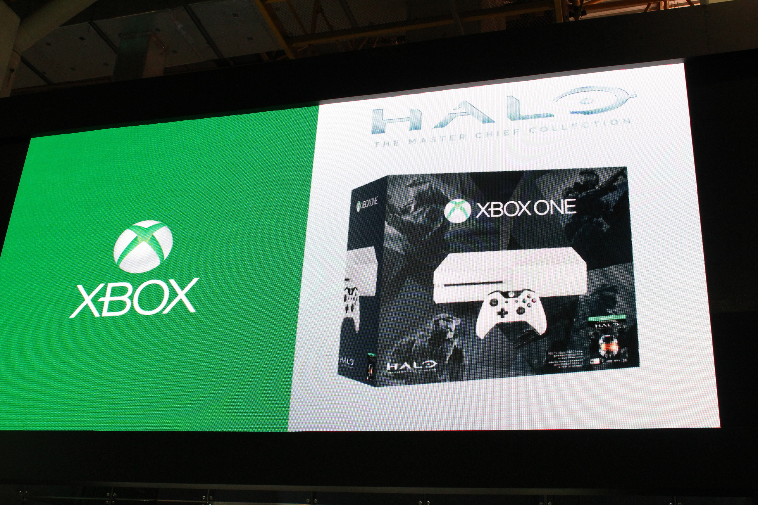 1412803845-white-xbox-one-bundle-halo-the-master-chief-collection