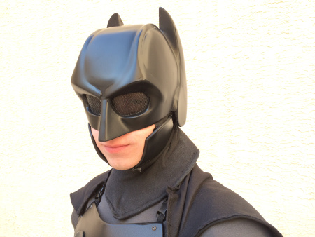 this-guy-made-a-combat-ready-batman-suit-image-1