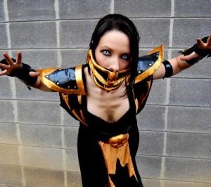 Female-Scorpion-cosplay-from-Mortal-Kombat-2