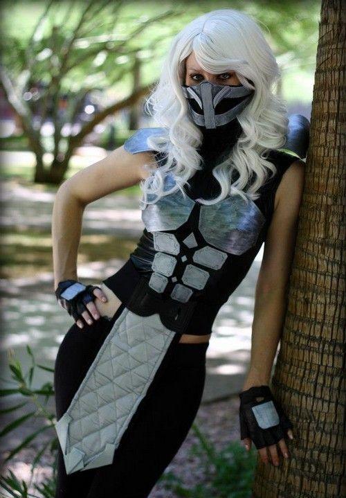 Female-Smoke-Mortal-Kombat-cosplay-2