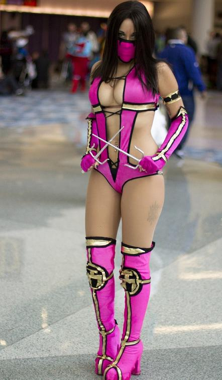 Mileena-Cosplay-Mortal-Kombat