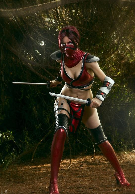 Mortal-Kombat-Cosplay-Skarlet-by-Nebulaluben