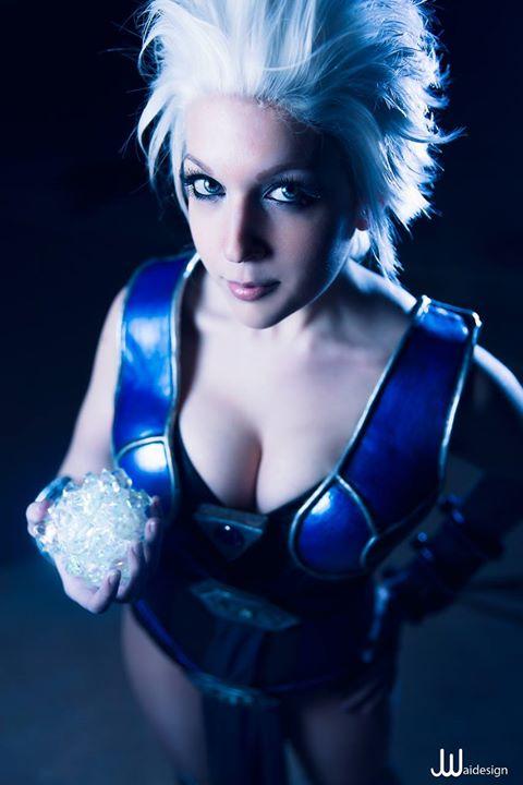 Nicole-Marie-Jean-as-Frost-Mortal-Kombat