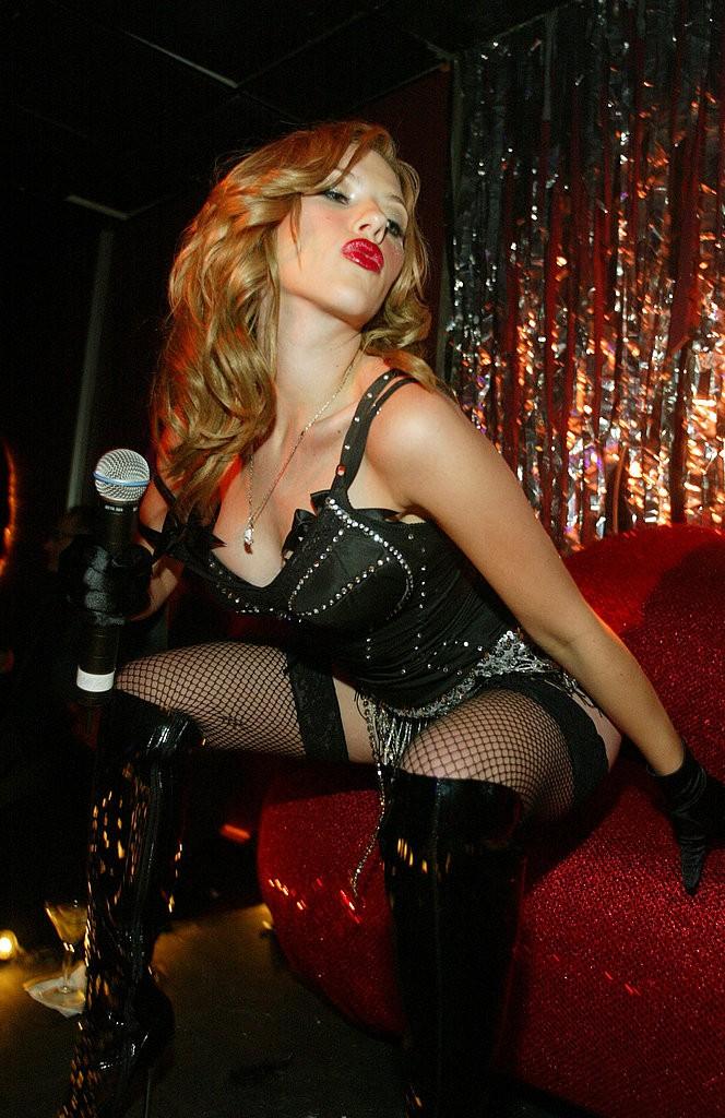 Scarlett-performed-Pussycat-Dolls-Viper-Room-2004