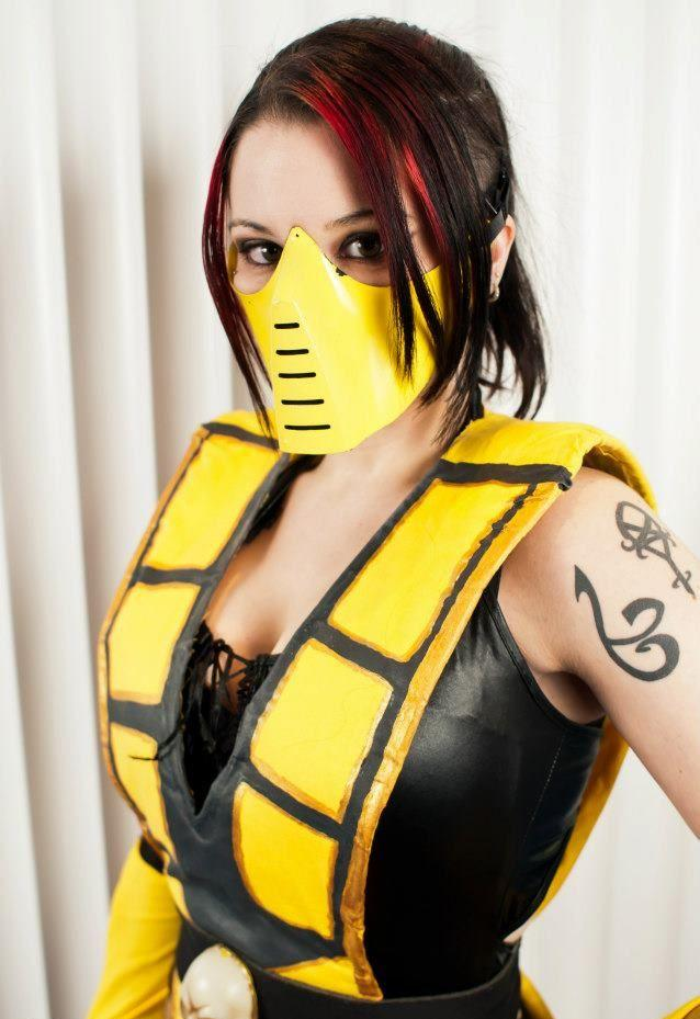 female-scorpion-cosplay