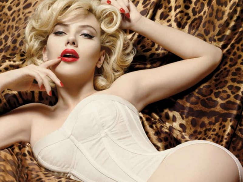 scarlett-johansson-sexy-best-photos-hottest-sexiest-5