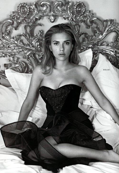 sexy-scarlett-johansson-photos-black-and-white
