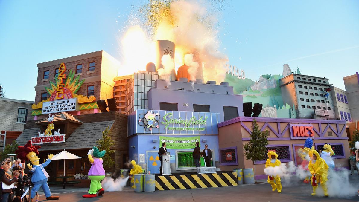 Yahoo Los Simpson Invaden Universal Studios Con Su Propio
