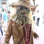 Comic-Con-2014-Cosplay-The-Scarecrow-e1406748060808-570×1015