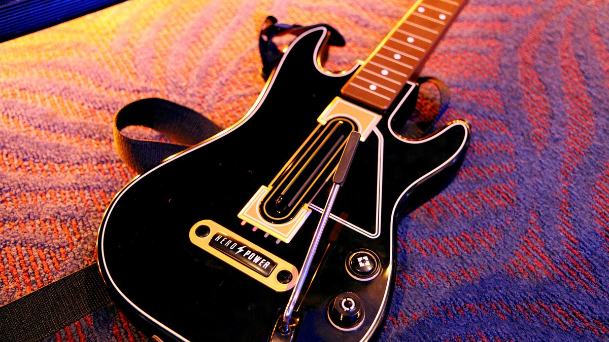 guitar-hero-guitar-1