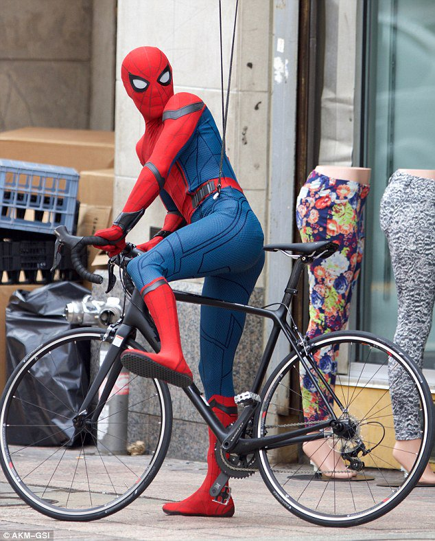 tom-holland-spiderman-homecoming-2