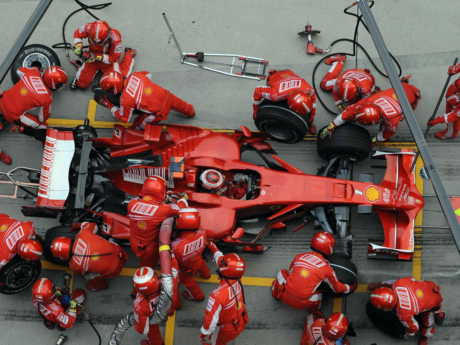 formula_one_pit_stop_action