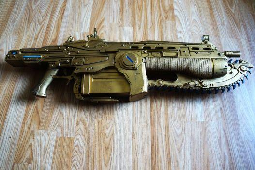 gears_of_war_lancer_replica_gold_version_by_dimebagsdarrell-d6rqeb4