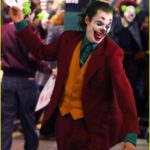 joaquin-phoenix-transforms-into-the-joker-filming-riot-scene-08