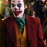 joaquin-phoenix-transforms-into-the-joker-filming-riot-scene-13