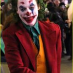 joaquin-phoenix-transforms-into-the-joker-filming-riot-scene-14