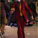 joaquin-phoenix-transforms-into-the-joker-filming-riot-scene-17