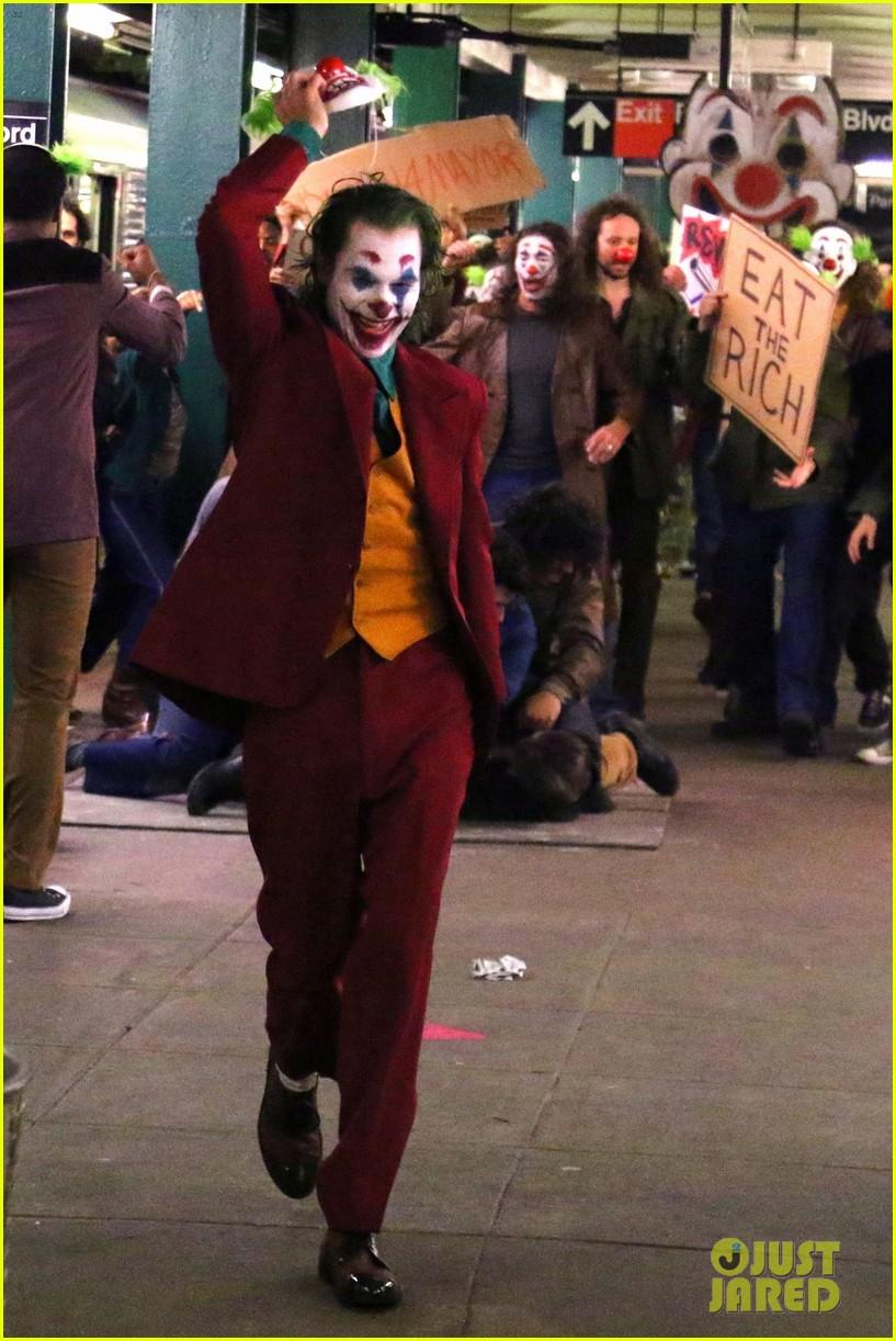 Joaquin Phoenix Transforms Into The Joker Filming Riot Scene