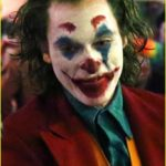 joaquin-phoenix-transforms-into-the-joker-filming-riot-scene-28