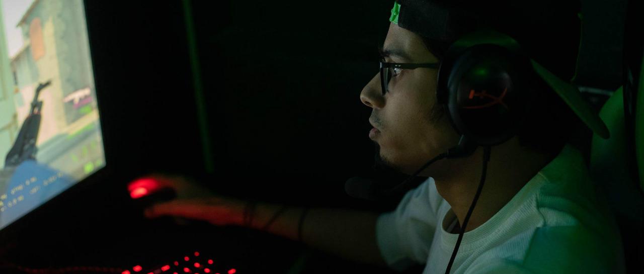 Castigan a competidor profesional de los eSports