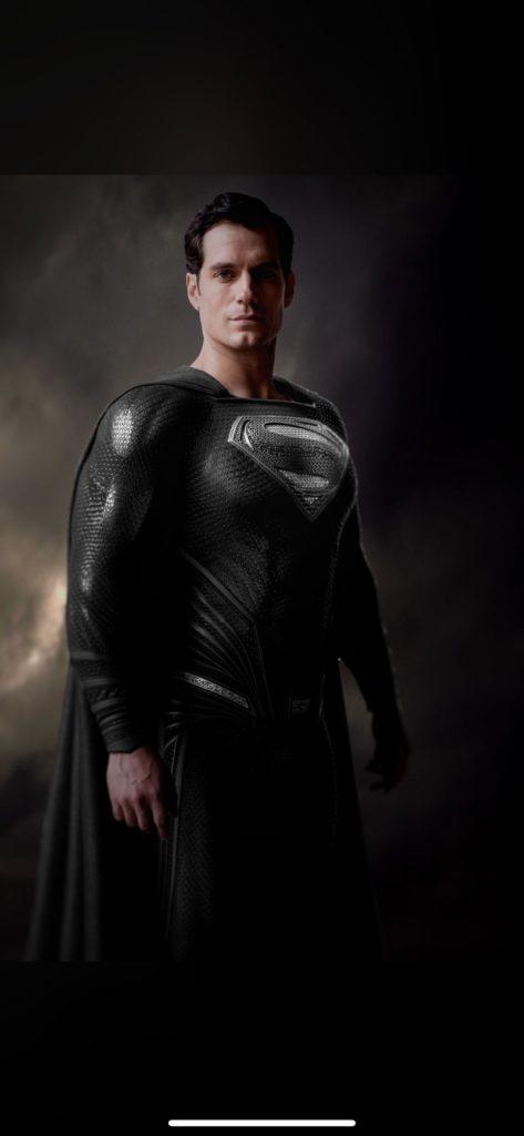 zack-snyder-black-suit-superman-1199588