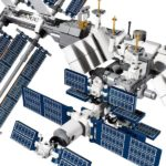 lego_iss_international_space_station_010
